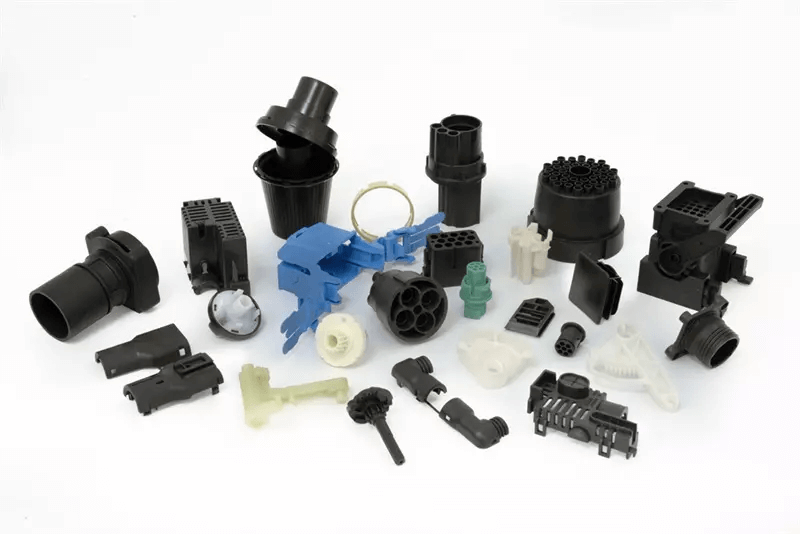 How does HDPE Molding technology solve wrapping issues in plastic parts?